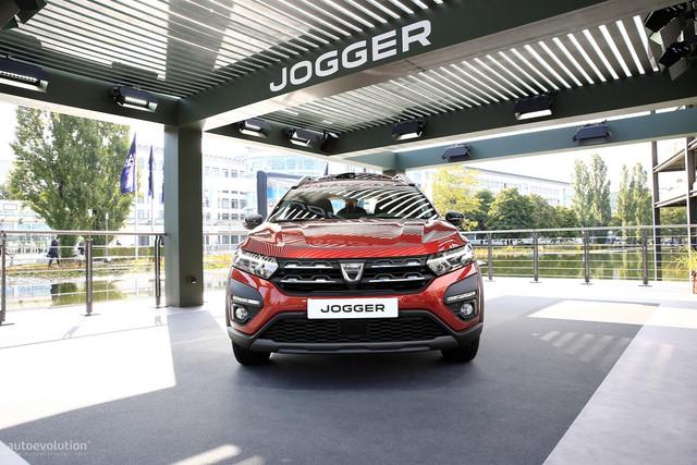 2022 - [Dacia] Jogger - Page 10 11-BC5-C51-C017-436-B-9-D2-A-368458-C3-FECA