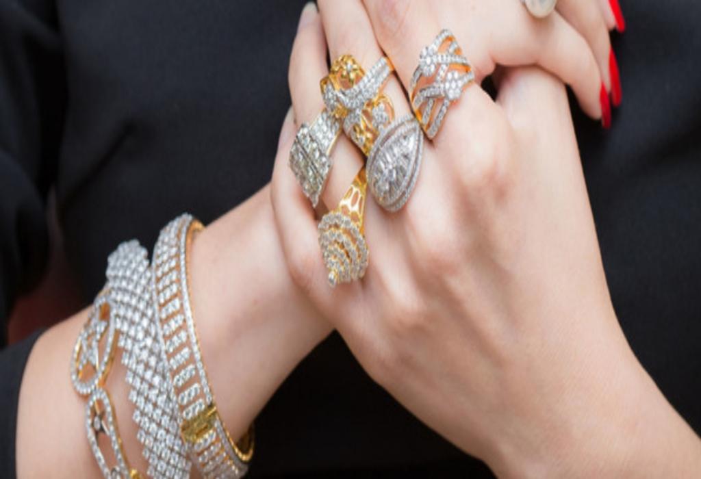 Iken Jewelry Lifestyle