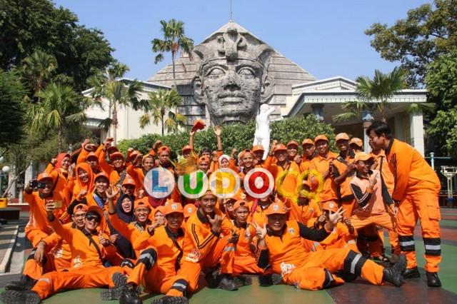 Pasukan Orange di berikan Gratis Untuk Masuk Dufan