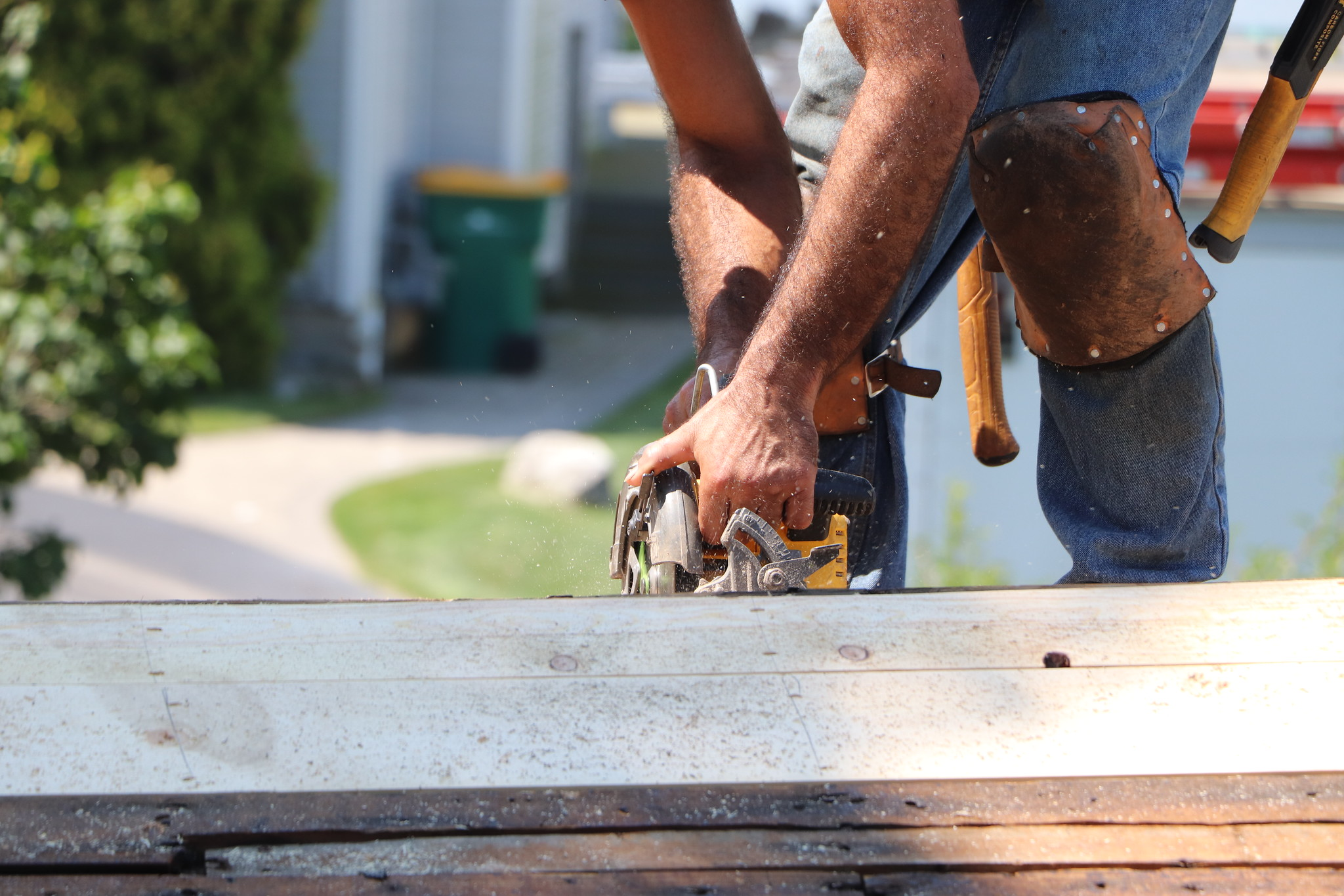 Find The Best Roofing Contractors Close to You