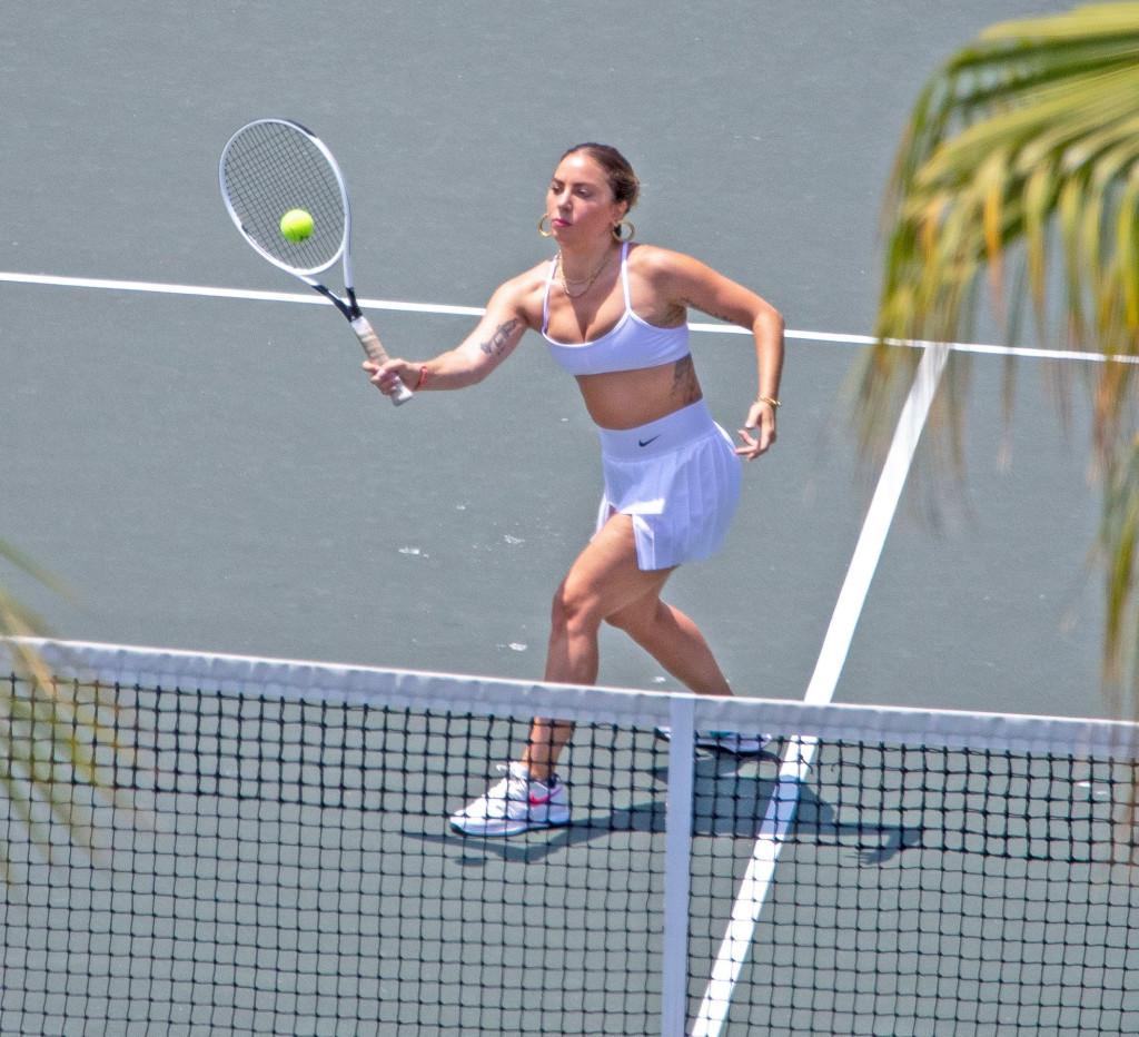 2021lady-gaga-tennis6.jpg