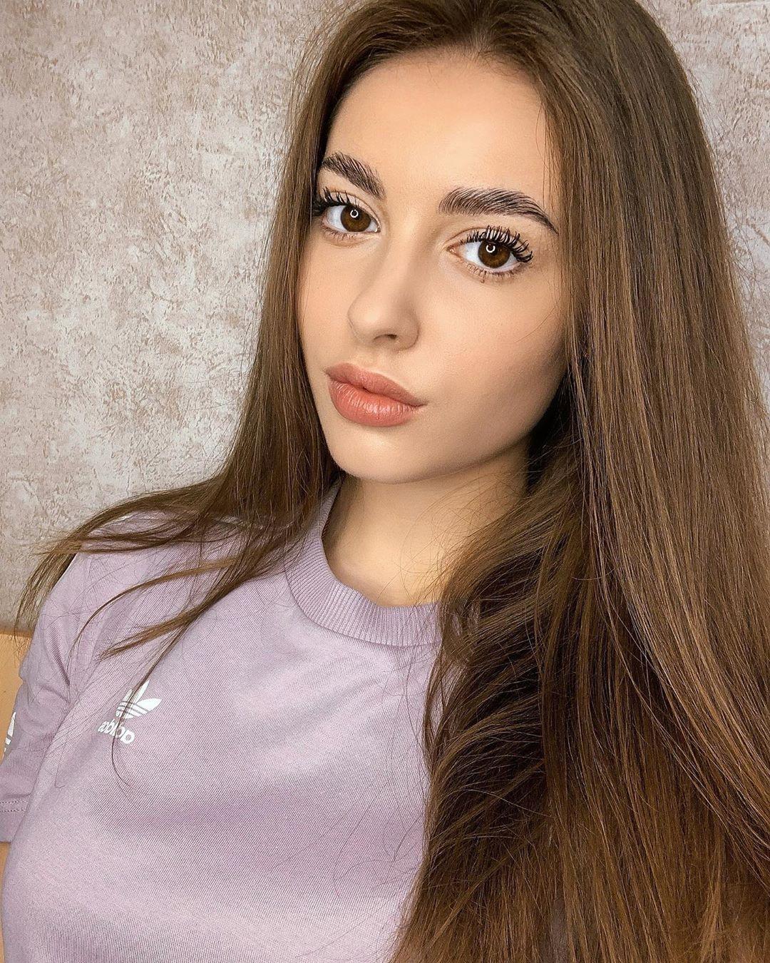 Olga-Seliverstova-Wallpapers-Insta-Fit-Bio-7