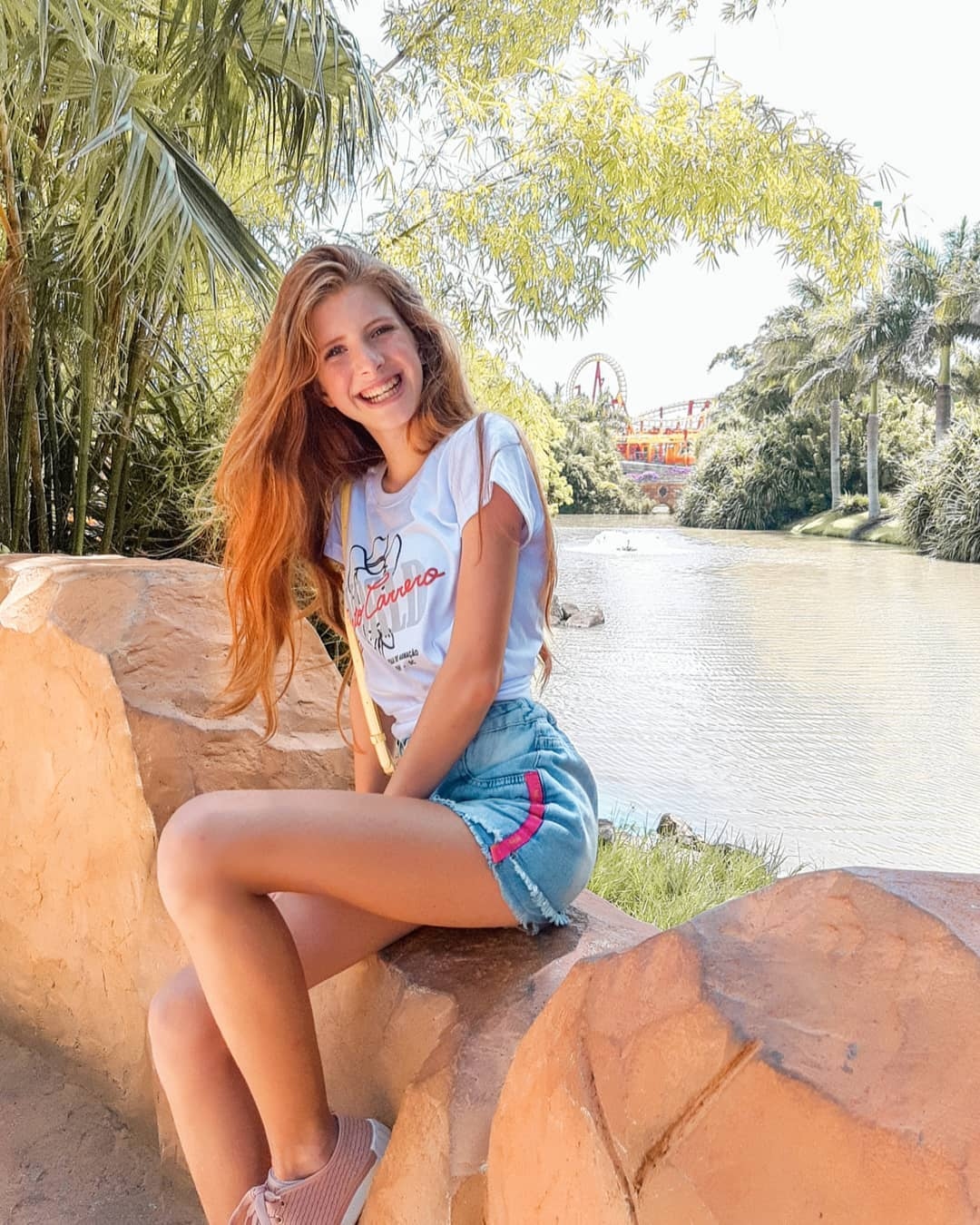 Julia-Vitoria-Mayer-Wallpapers-Insta-Fit-Bio-9