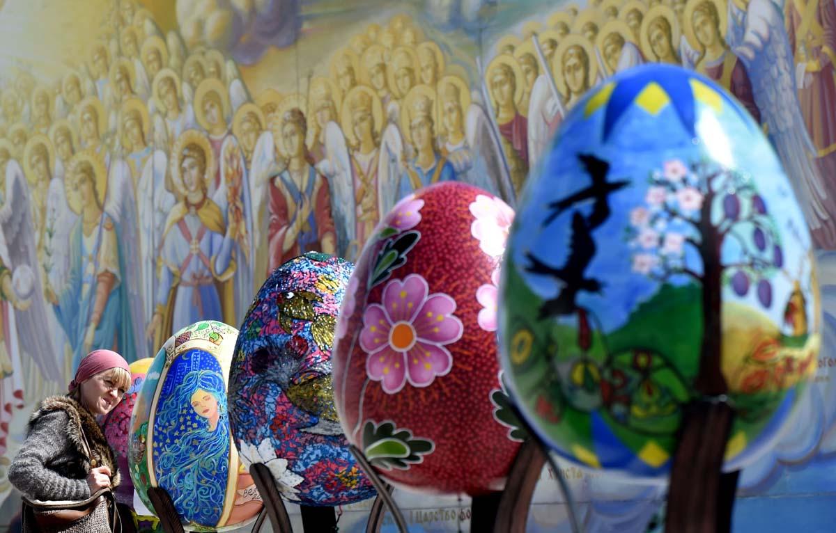 https://i.ibb.co/r5zdtfn/AFP-Getty-UKRAINE-RELIGION-EASTER-FESTIVAL-EGGS-4.jpg