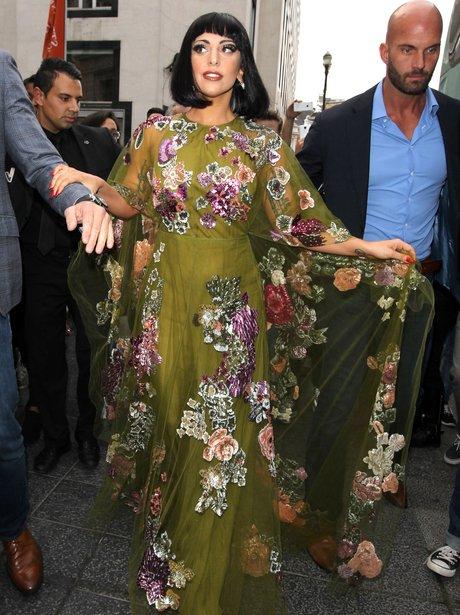 lady-gaga-floral-dress-1411551893-view-1