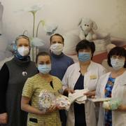 31 октября в Мытищинской городской больнице прошло очередное вручение помощи. В роддом передана одежда для новорожденных, приобретенная на вырученные средства в ходе послекарантинных акций по сбору макулатуры и пластиковых крышечек