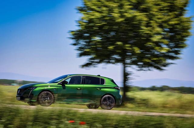 2021 - [Peugeot] 308 III [P51/P52] A0273-D68-16-B3-4-FB4-A38-B-56068-DBE09-CE