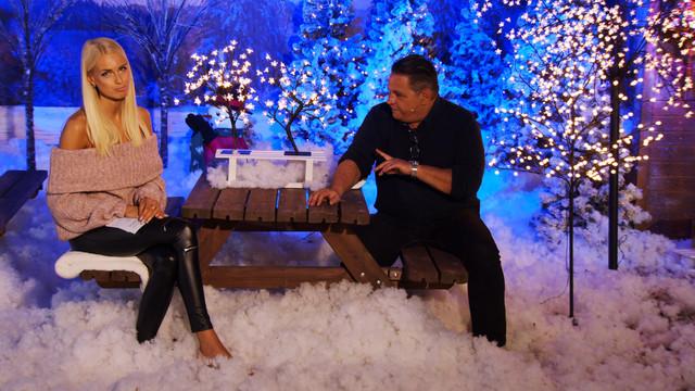cap-Weihnachtsstimmung-auch-im-Garten-Mit-Anne-Kathrin-Kosch-bei-PEARL-TV-Oktober-2019-4-K-UHD-00-35-11-26