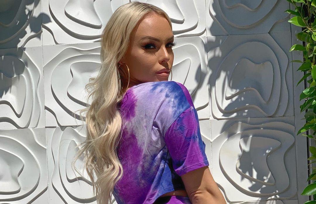 Krissy-Mechelle-Wallpapers-Insta-Fit-Bio-1