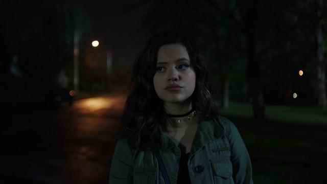 Charmed-2018-S01-B01-1080p-Dual-TR-AMZN-WEB-DL-DDP5-1-H-264-Uzayli-mkv-snapshot-02-15