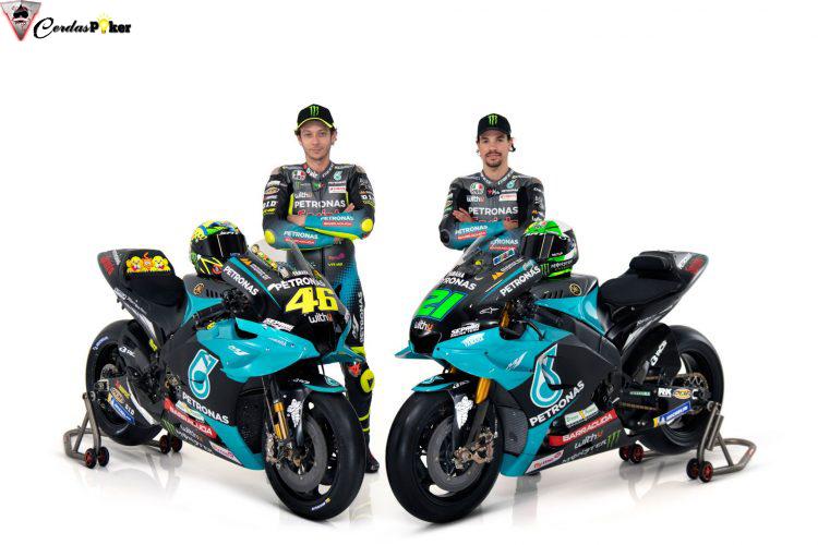 Valentino Rossi Suka Corak Livery Motor, Helm, dan Baju Tim Barunya