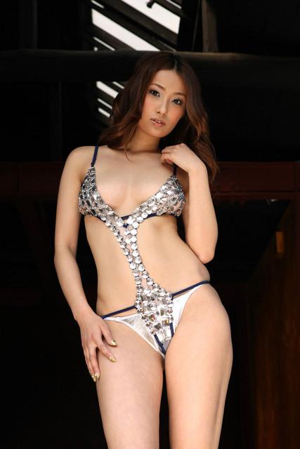 Yoshizaki-Nao-100501