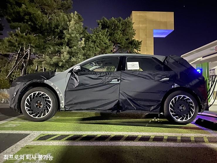 2021 Hyundai EV/45 24