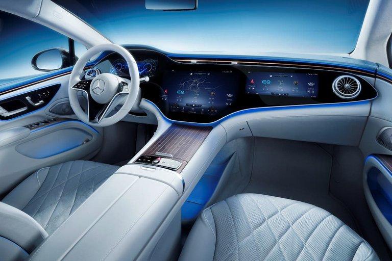 Mercedes EQC y EQV