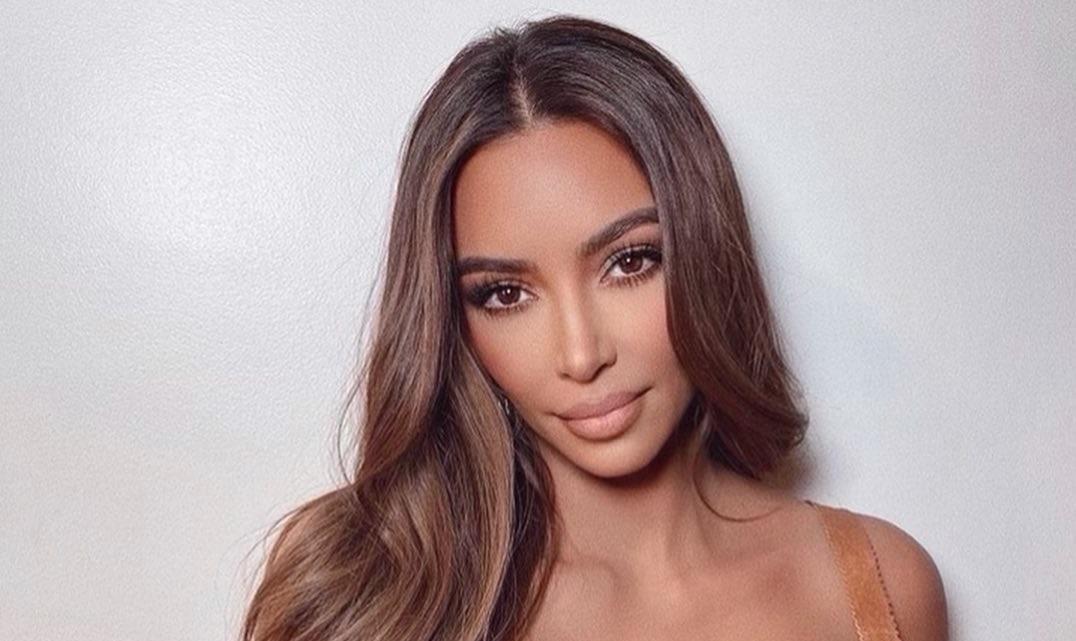 Kim-Kardashian-Wallpapers-Insta-Fit-Bio-12