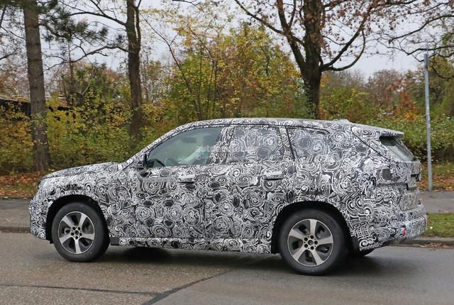 2022 - [BMW] iX1 0394-CBC5-4-B96-4-C07-8115-DDC5-CD9-C0-E89
