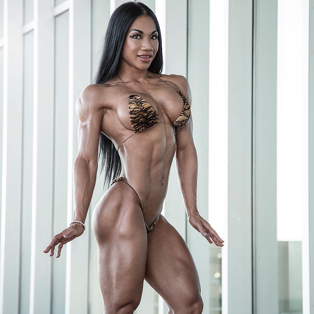 Тина Нгуен (Tina Nguyen)