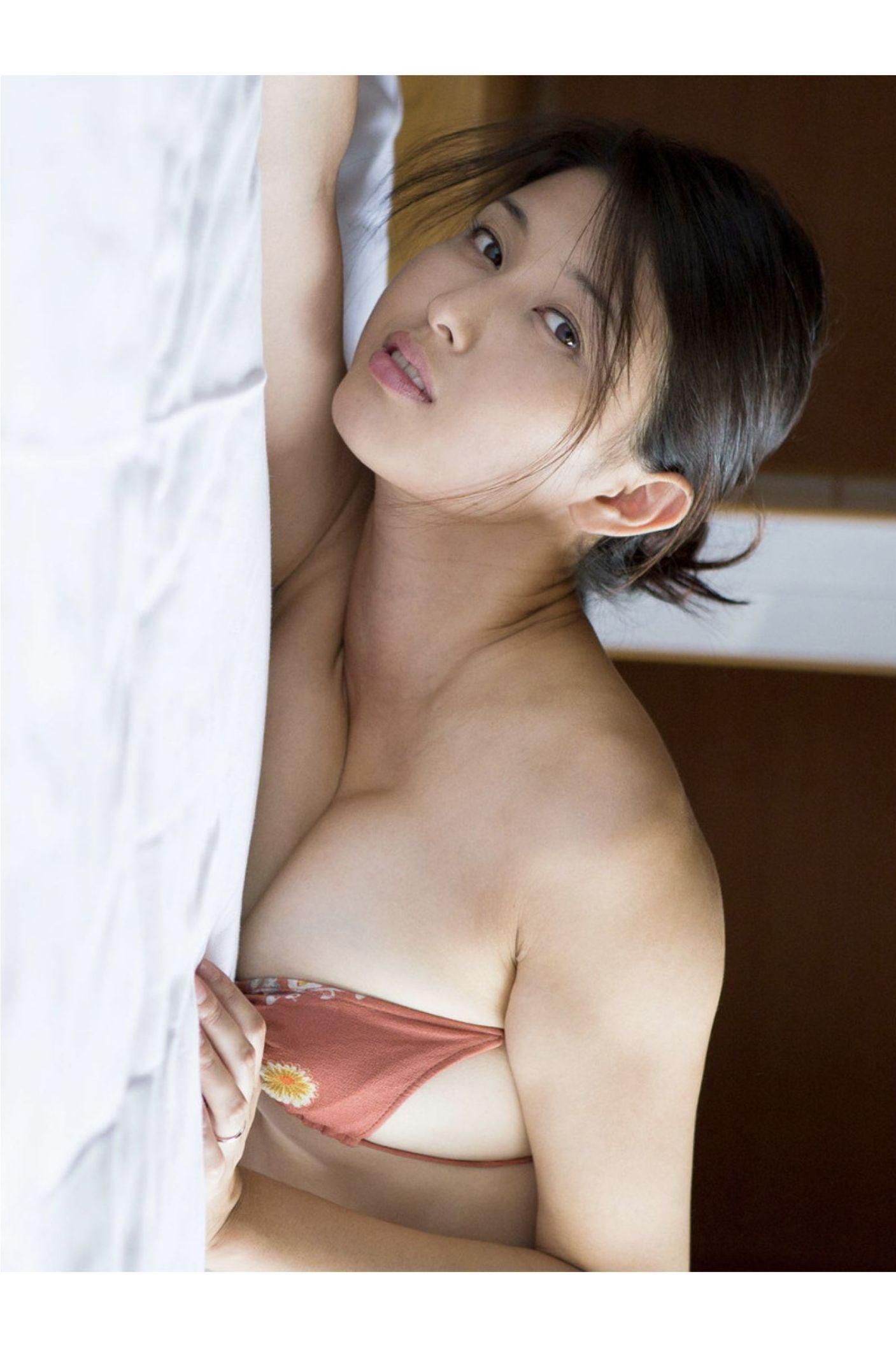 『愛の記憶』橋本マナミ デジタル写真集 018