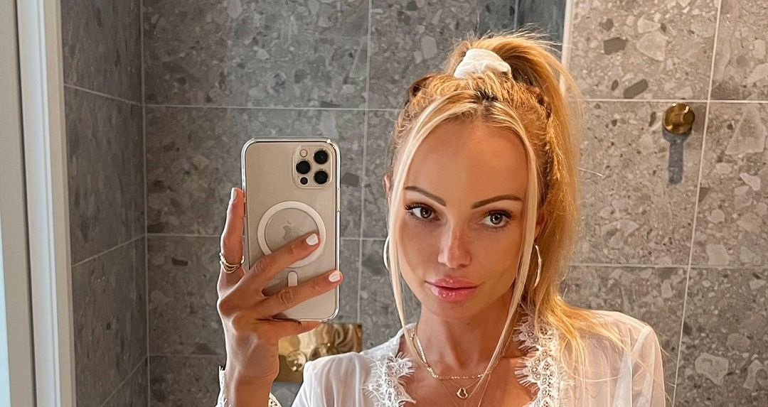 Abby-Dowse-Wallpapers-Insta-Fit-Bio-6