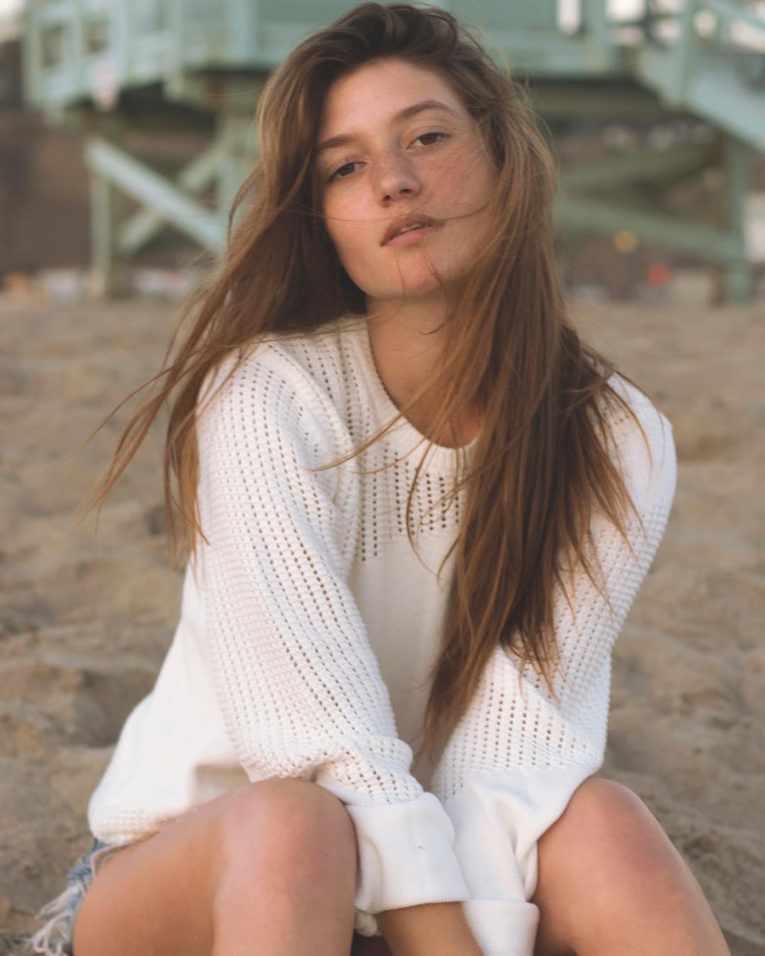 Elizabeth Elam - Bio, Age, Height   Fitness Models Biography