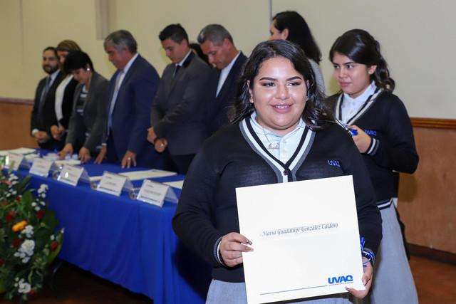 Graduacio-n-Quiroga2019-22