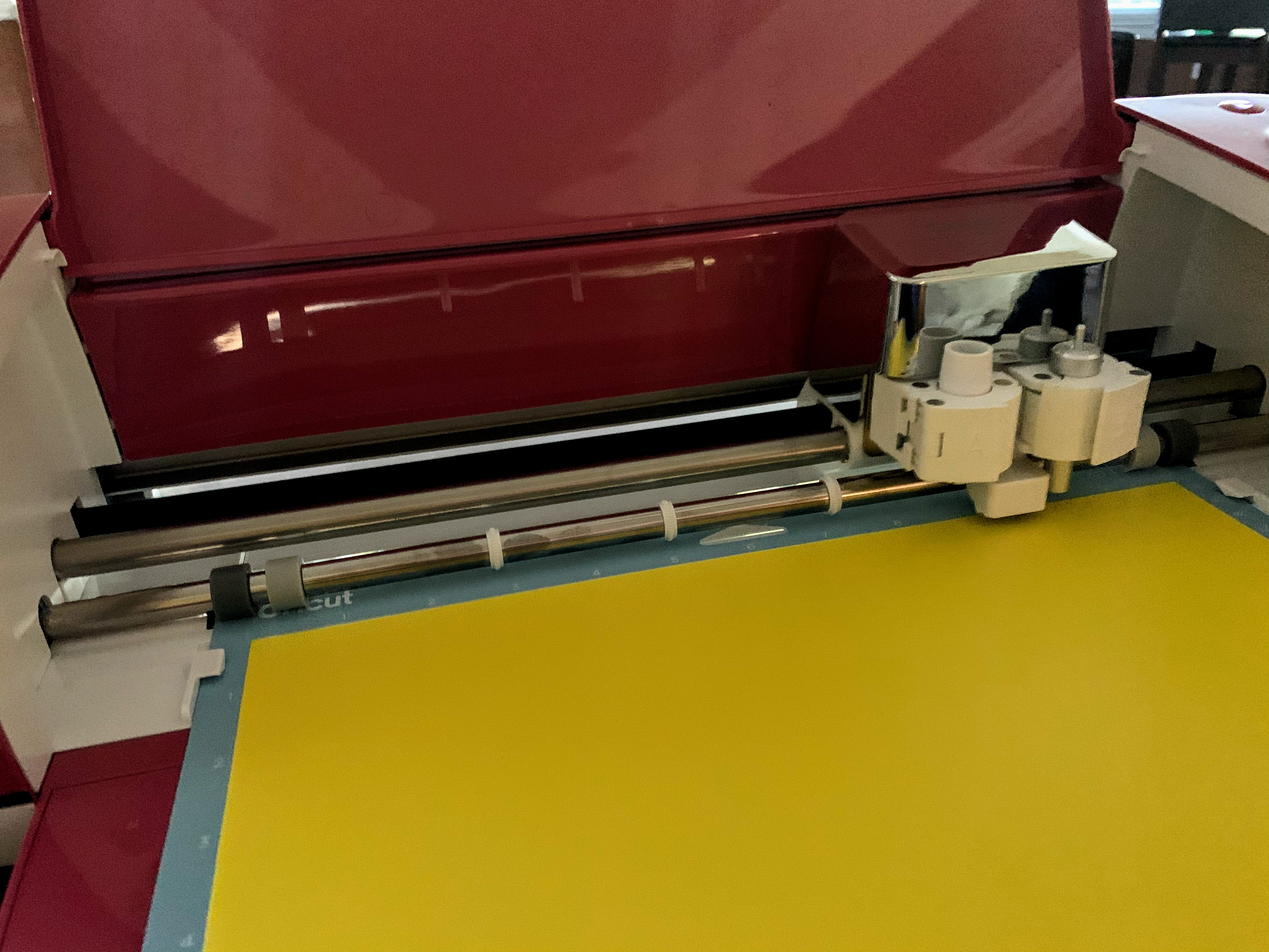 Printing our simple photo frame project on the Cricut Explore Air2