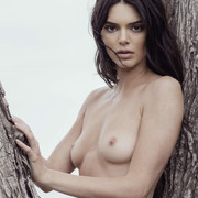 KENDALL-JENNER-NUDE-FULL-FRONTAL-SHOW-009
