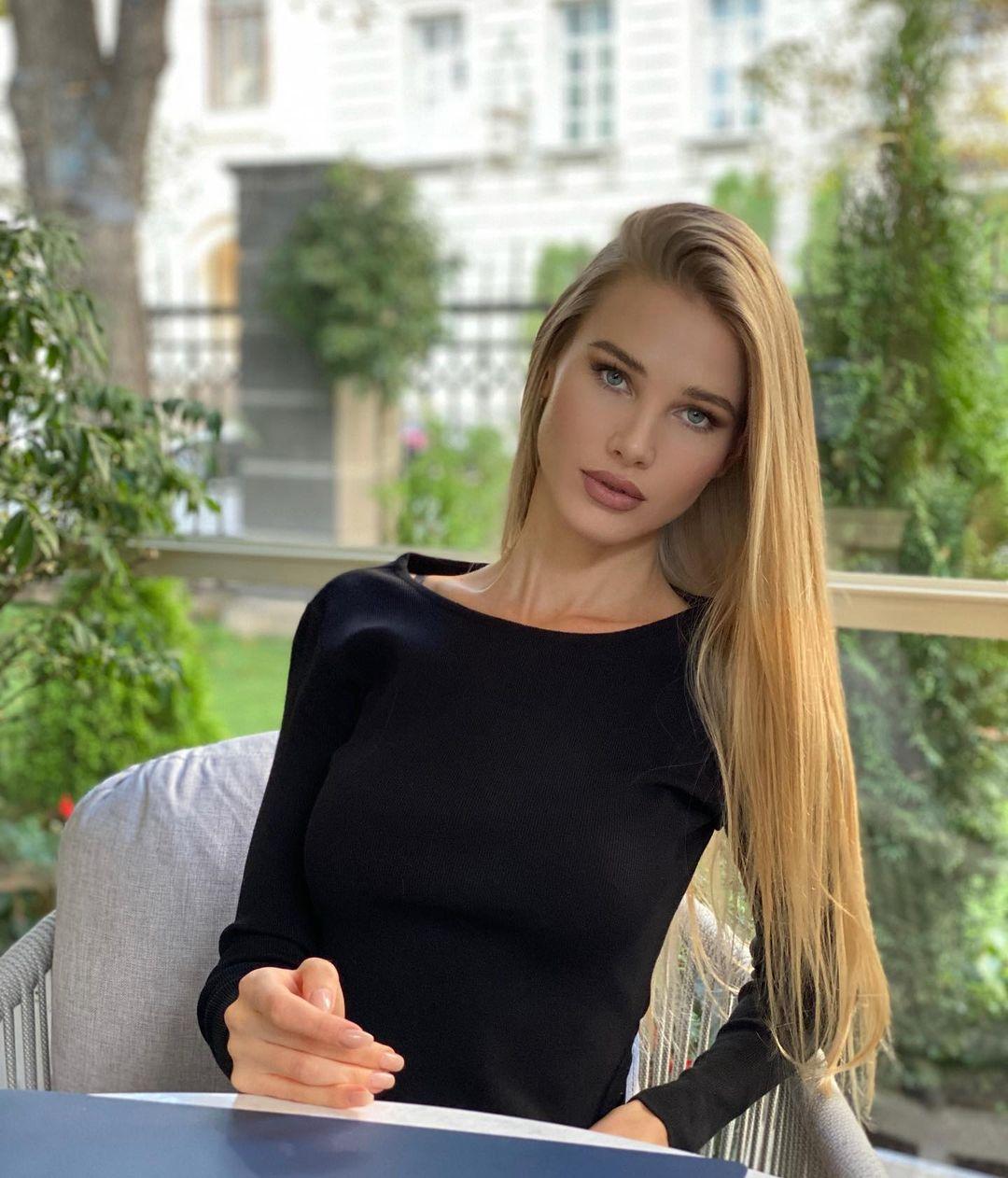 Alena-Kryukova-Wallpapers-Insta-Biography-6