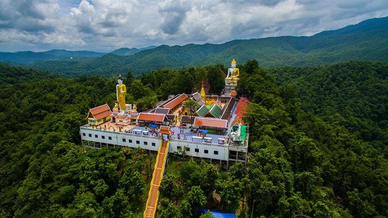Wat-temple-in-chiangmai