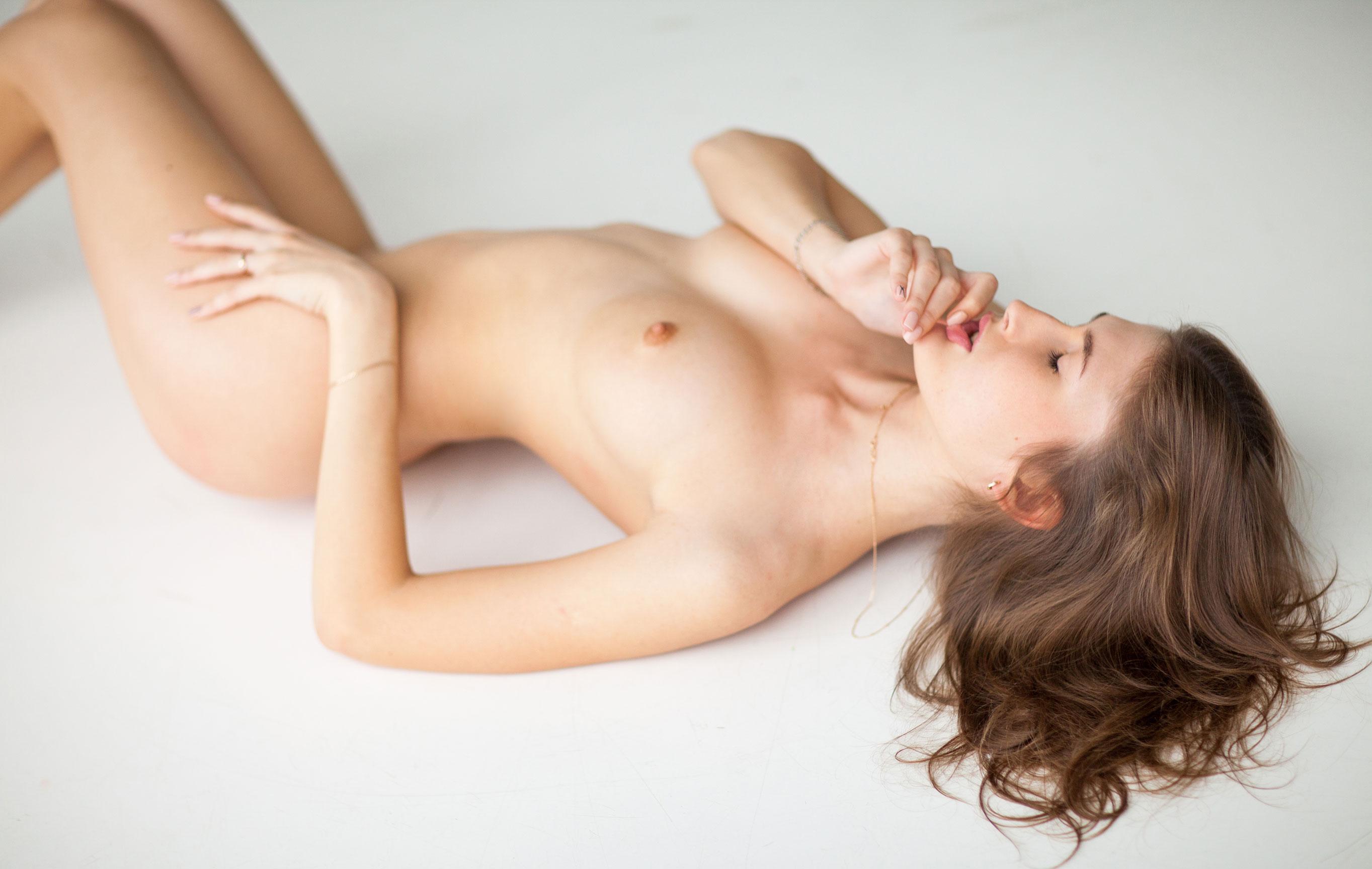 голая Валерия Сафина / фото 01