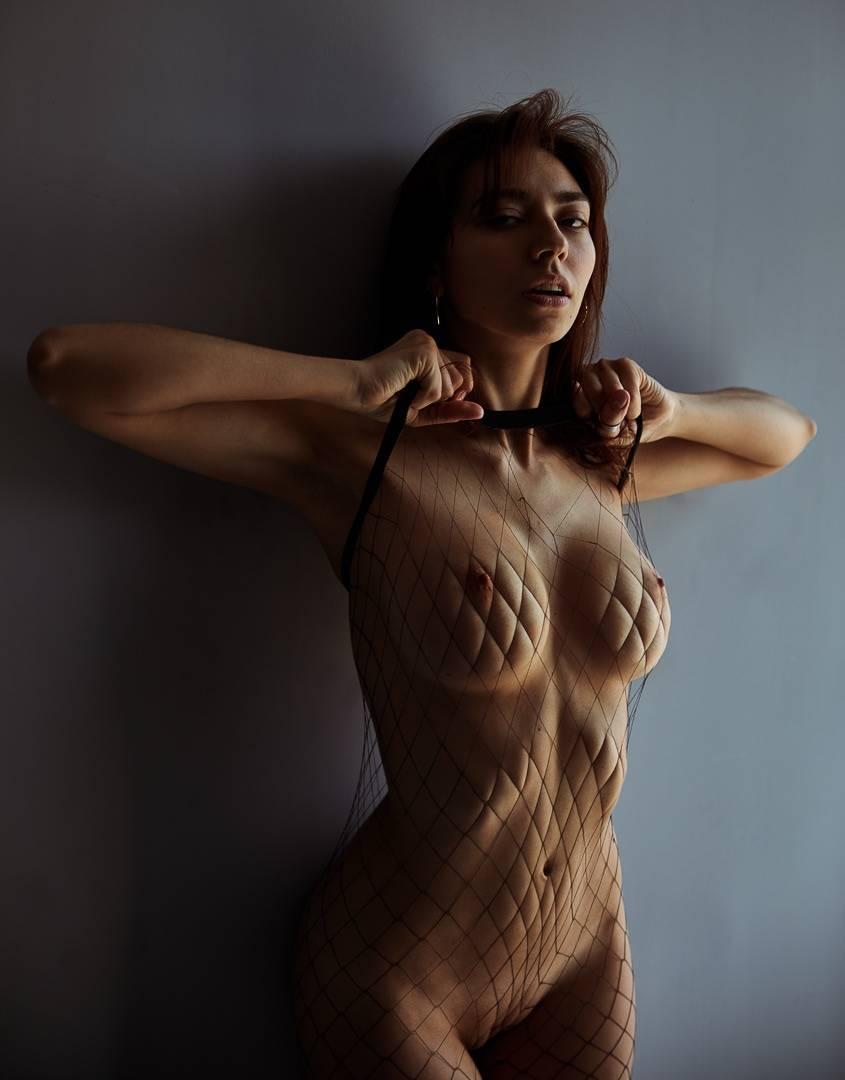Anya Garnis  nackt
