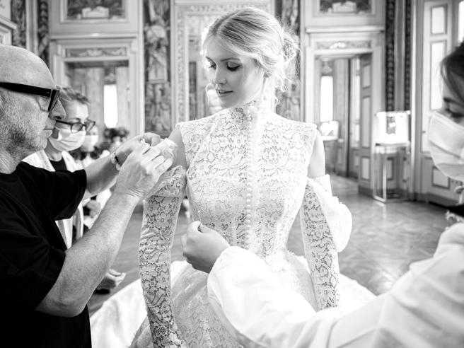 Lady Kitty Spencer, il vestito da sposa D&G