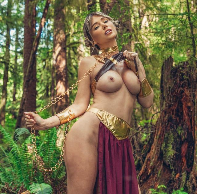 Sara-Underwood-Princess-Leia-4