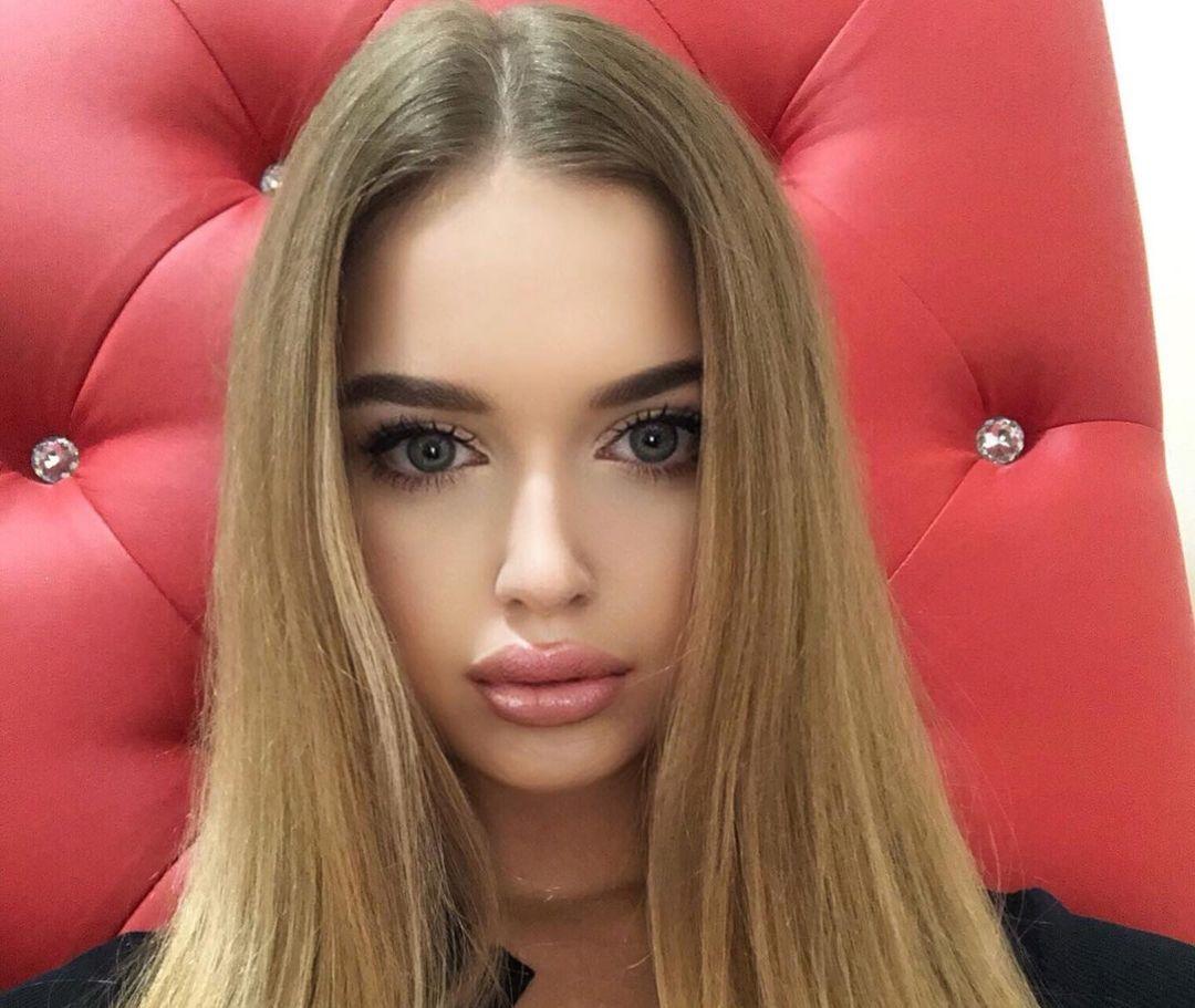 Angelina-Samokhina-Wallpapers-Insta-Biography-4