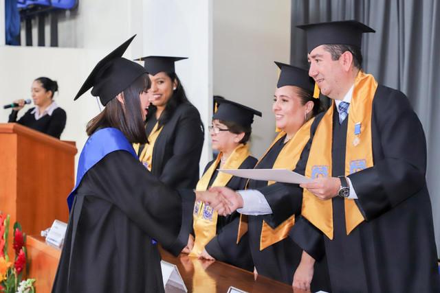 Graduacio-n-Cuatrimestral-60