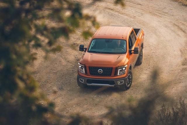 Nissan et le orange: Une histoire d'Halloween  KWP-8778-source