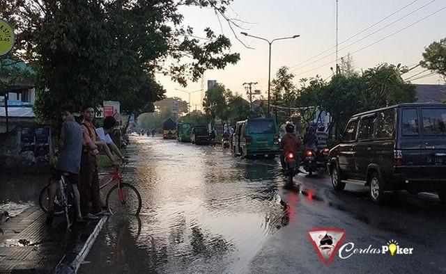 Kurang dari 3 Jam, Banjir di Surabaya langsung Surut