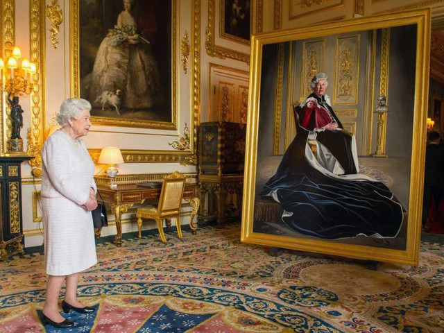 queen-elizabeth-ii-portrait