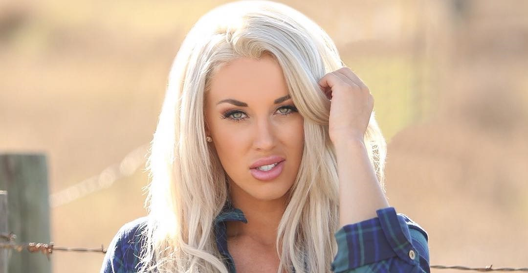 Laci-Kay-Somers-Wallpapers-Insta-Fit-Bio-11