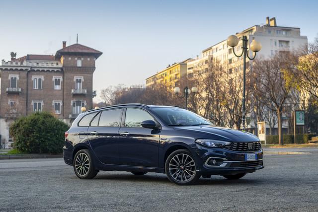 2016 - [Fiat] Tipo 5 portes & SW - Page 23 CDAFC663-B207-4565-B1-D4-C84-AE30-F4-ECC