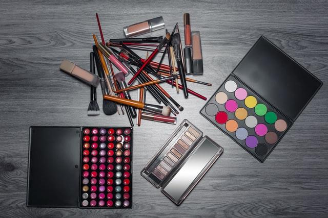 https://i.ibb.co/rvpF2Fq/cosmetic-item-manufacturer.jpg