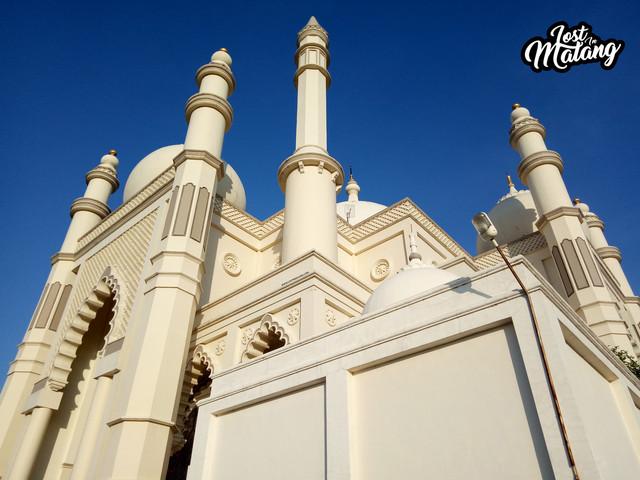Masjid Salman Al Farisi Malang, Kemegahan Masjid Ala Taj Mahal