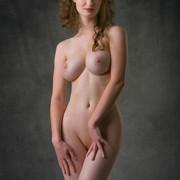 susann-shamelessly-showcases-an-amazing-curvy-body-01-w800