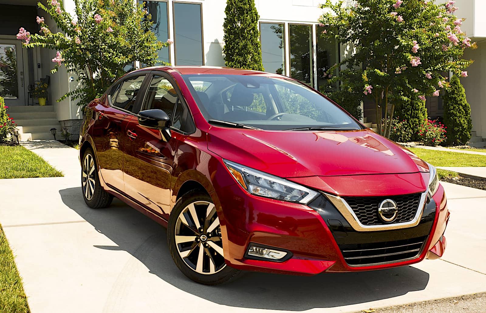 Nissan-Versa-2020-3