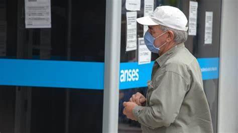 ANSES: Definen aumento para jubilaciones, AUH y otras asignaciones: de cuánto sería