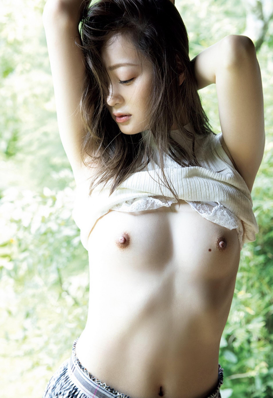 和田瞳 / 突如舞い降りた「ハダカの天使」初公開  完全フルヌード!!画像 014