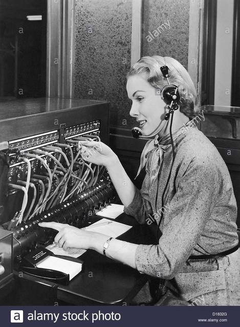 standard-telephonique-d1832g