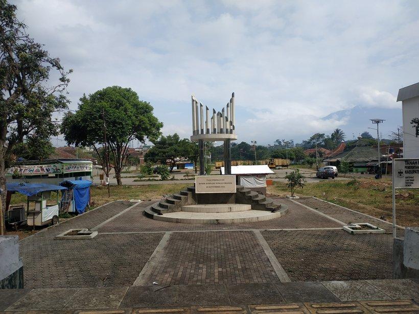 Tugu Peringatan Banjir Bandang Sungai Cimanuk