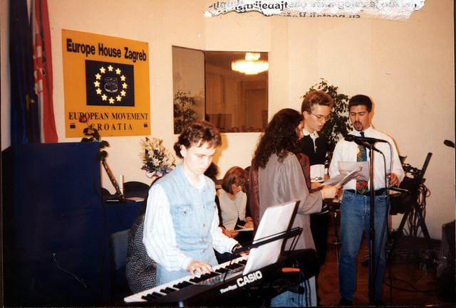 7-Glazbeni-sastav-Amor-iz-Zagreba