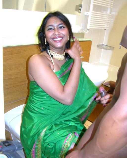 [Image: 1875406888-Green-Saree-Tamil-Bhabhi-Suck...31699c.jpg]